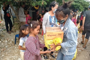 Food Distribution in Cambodia - Freedom's Promise
